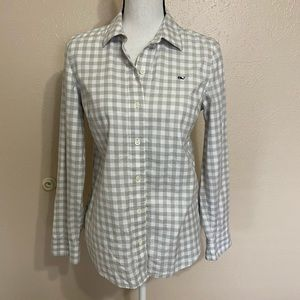 Vineyard Vines Gray Checkered Flannel ButtonUp Top